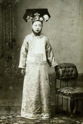 qing-dynasty-cheongsam